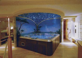 4 person spa feature