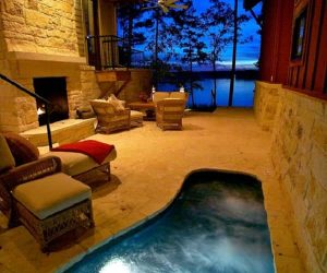 enclosed hot tub