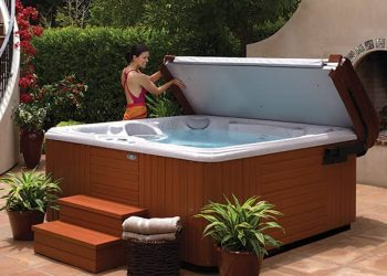 hot tub cover feature