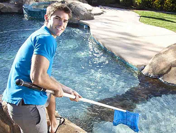 things to be consider for asking swimming pool service