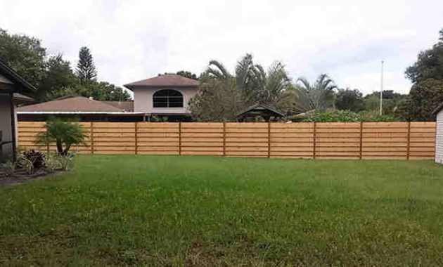 horizontal shadow box fence