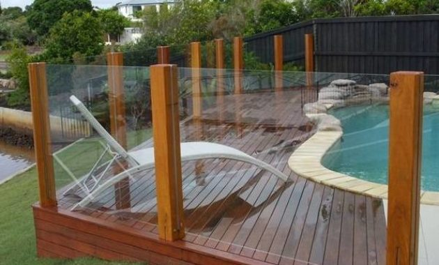 pool fencing feature