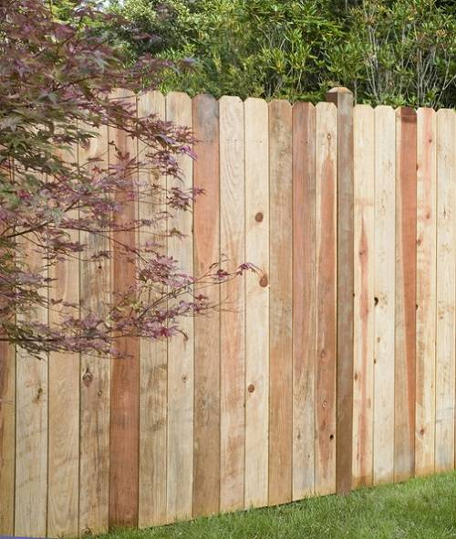 redwood-fence-feature