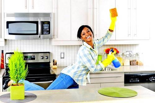 3 Easiest and Best Way To Clean Wood Cabinets In Kitchen
