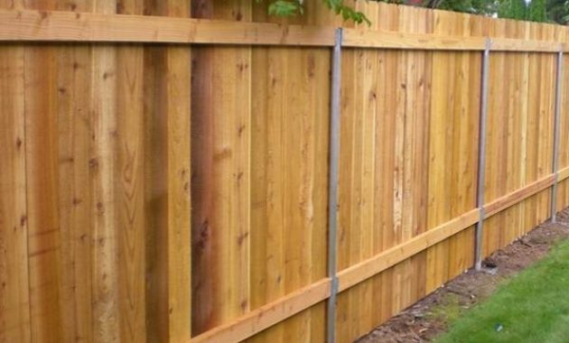 diy cedar fence feature