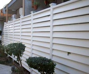 horizontal vinyl fence