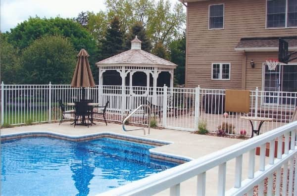5 Best White Aluminum Fence Products Recommended for You