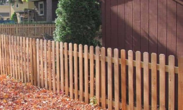redwood fence pickets feature