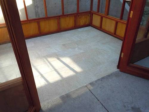 wooden hot tub enclosure 2