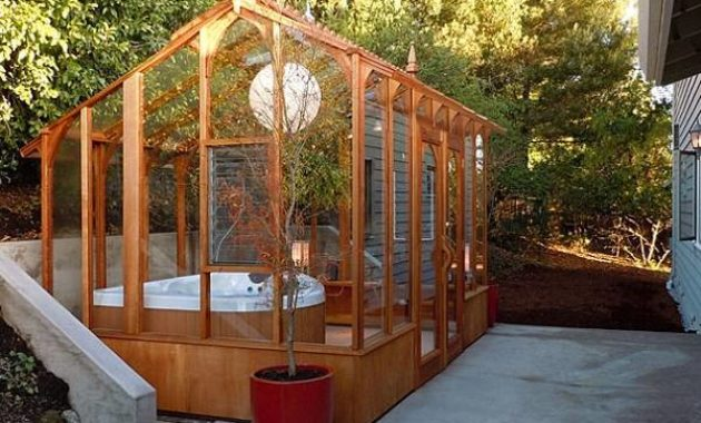 wooden hot tub enclosure feature