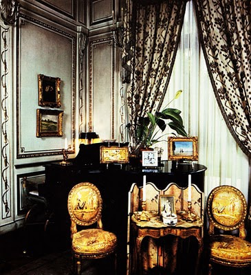 Black And Gold Living Room Decor 4