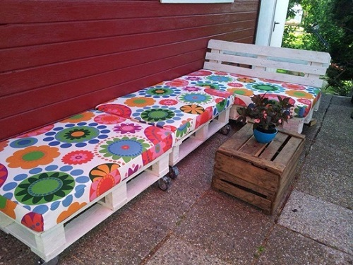 Wood Pallet Furniture 1