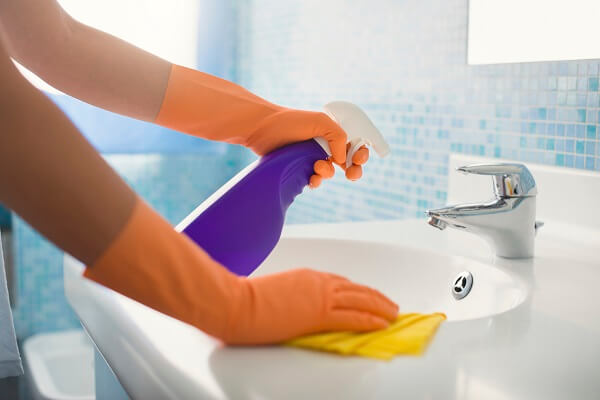 How to Keep Bathroom Clean: DIY and Secret Tricks