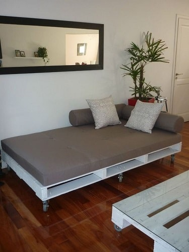 wood pallet sofa ideas 17