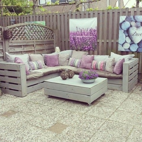 20 Most Creative Wood Pallet Sofa Ideas For Your Patio