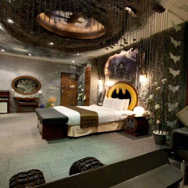 "Tips to Remodeling Your Own ""Bat Cave"" with Cool Batman Bedroom Set"