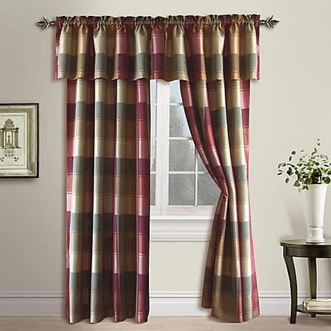 Burgundy-Curtains-For-Living-Room-11
