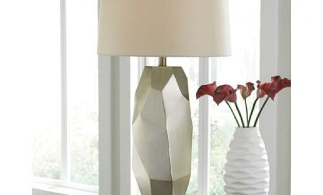 Darda Silver Table Lamp