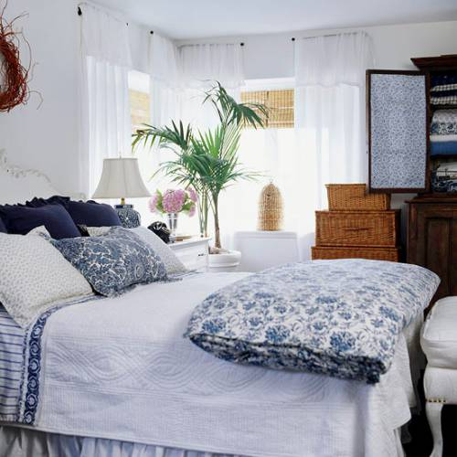 An Exotic Touch To The Bedroom: 10 Inexpensive Ways To Create Luxurious And Expensive