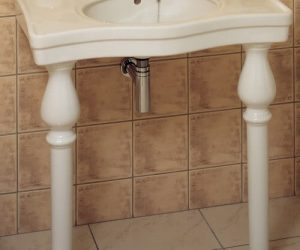 console basin sink with legs