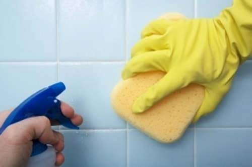 best way to clean bathroom tiles