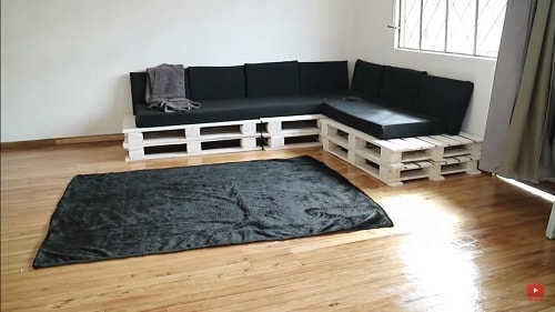 DIY Wood Pallet Sofa Tutorial