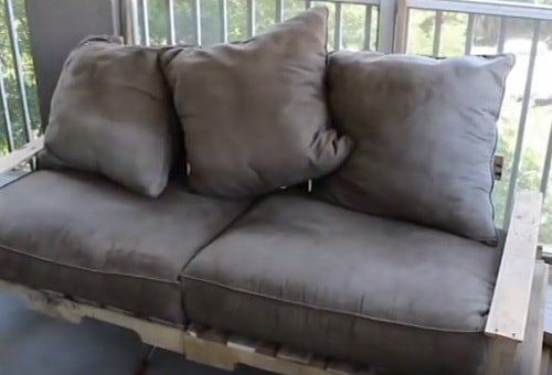 DIY wood pallet sofa tutorial 7