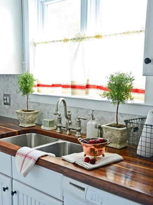 how to decorate kitchen counters 0