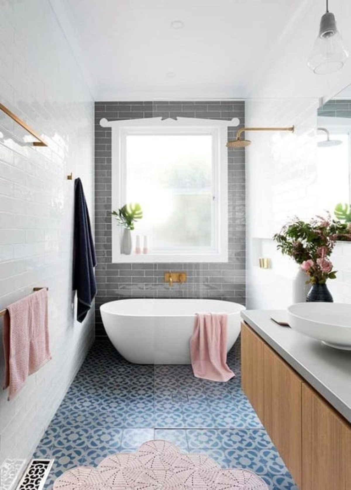 25 Most Brilliant Long Narrow Bathroom Ideas That Ll Drop Your Jaw,Walk In Closet Ideas For Small Bedroom