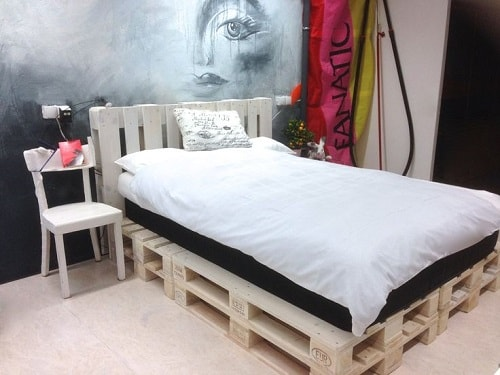 20+ Most Inspiring Wood Pallet Bedroom Ideas You Have To Try on Pallet Bedroom Design  id=24996