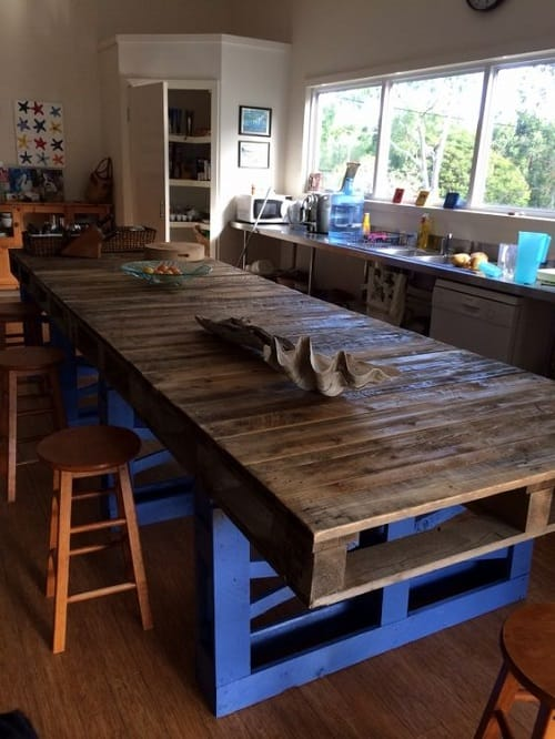 wood pallet dining table ideas 4-min