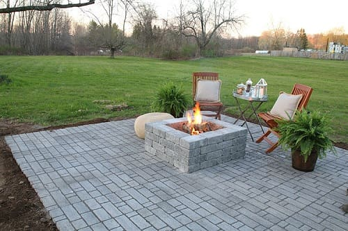 20 most creative diy fire pit ideas to facelift your patio. Black Bedroom Furniture Sets. Home Design Ideas