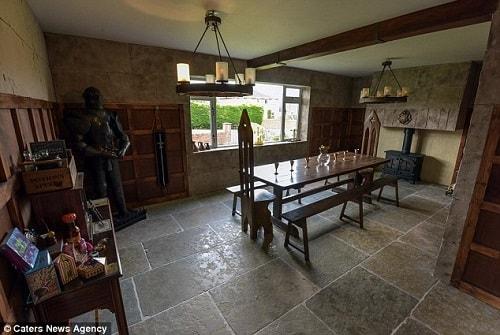 hogwarts dining room 10-min