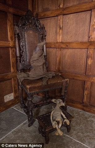 hogwarts dining room 9-min