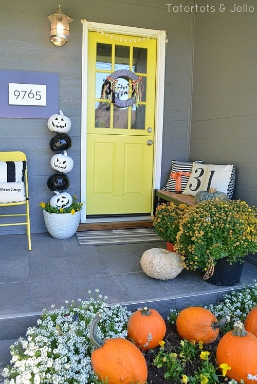 DIY BW Pumpkin Topiary 1-min