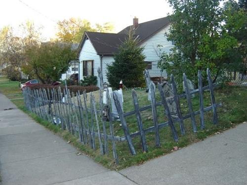 Halloween Fence Ideas