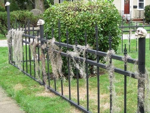 Halloween Fence Ideas`