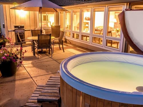 indoor salt water hot tub