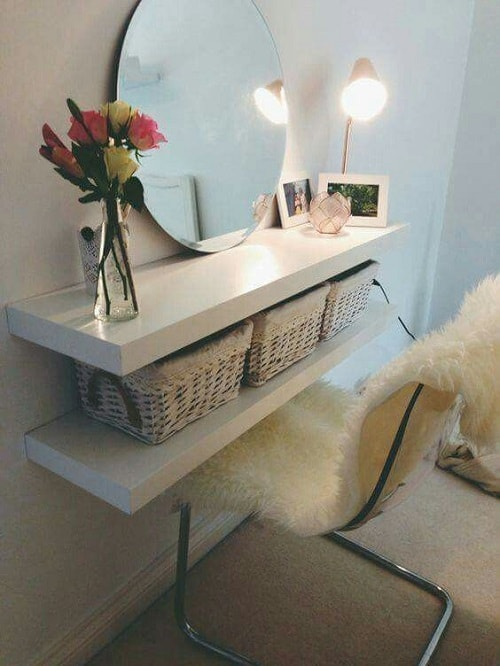 20 clever chic diy small bedroom storage hacks that 39 ll blow your mind. Black Bedroom Furniture Sets. Home Design Ideas