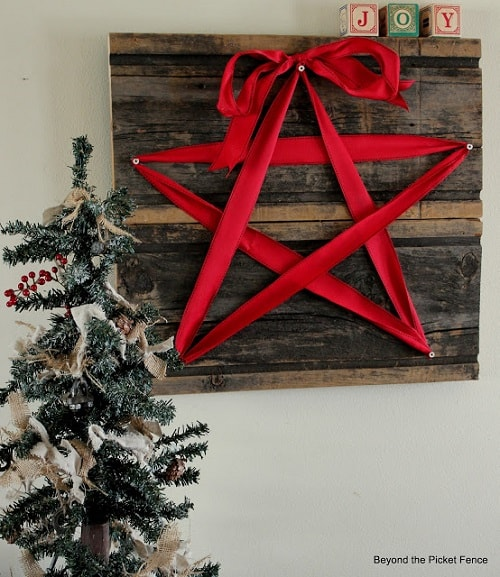 christmas wall decorations ideas 16-min