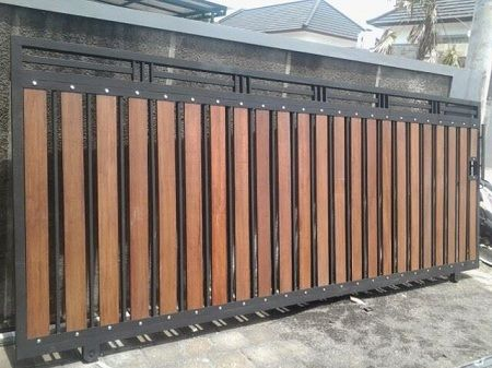 25 Naturally Stunning Wooden Driveway Gate Design Ideas