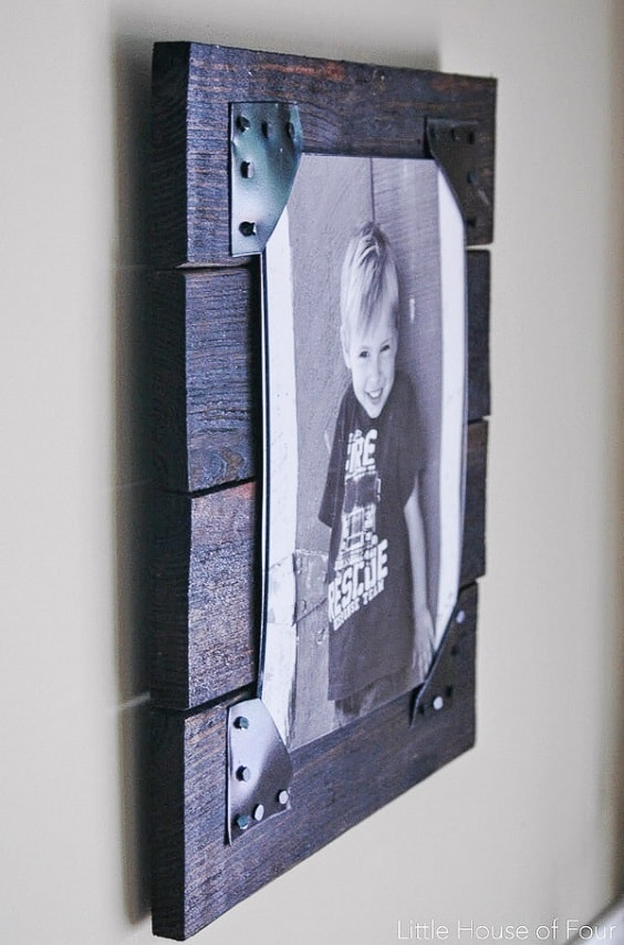 DIY Rustic Pallet Frame 1-min