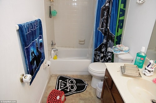 Star Wars Themed Bathroom 3-min
