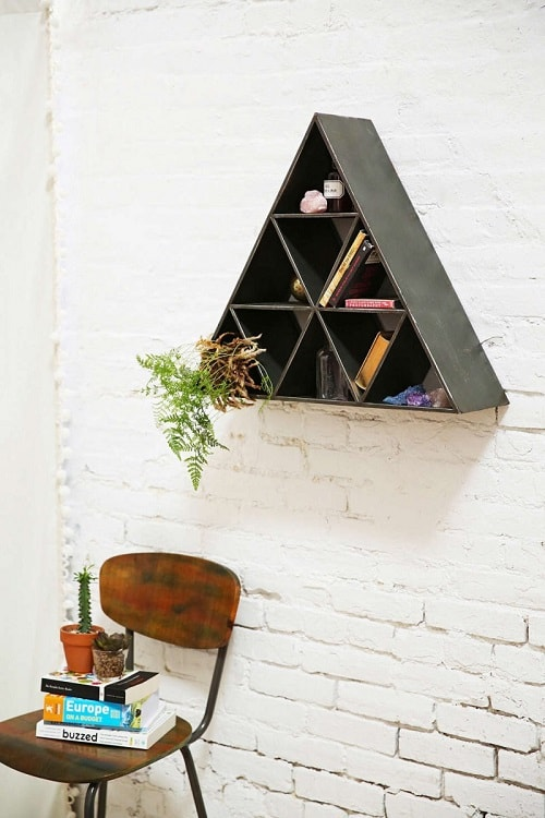 diy floating triangular shelves 34