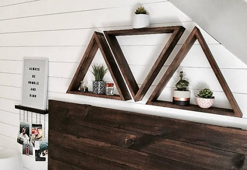 diy triangular floating shelves-min