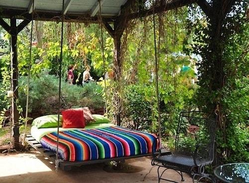 small round patio 10-min