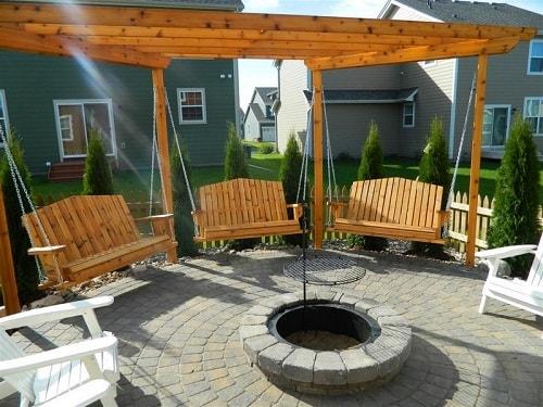 small round patio 2-min