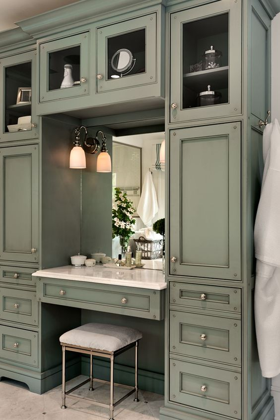 Bathroom Vanity With Seating Area 7-min