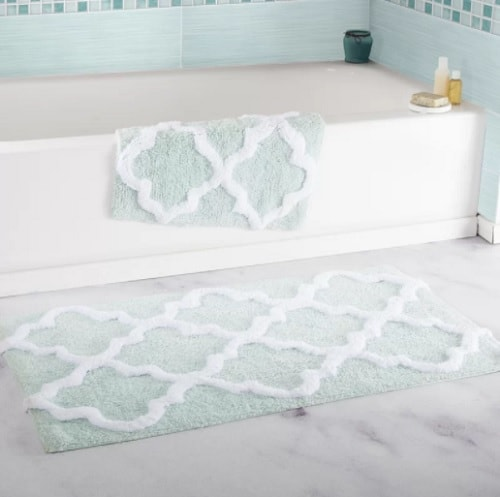 mint green bathroom rug 2-min