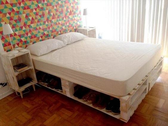 pinterest-worthy bedroom decoration 29-min